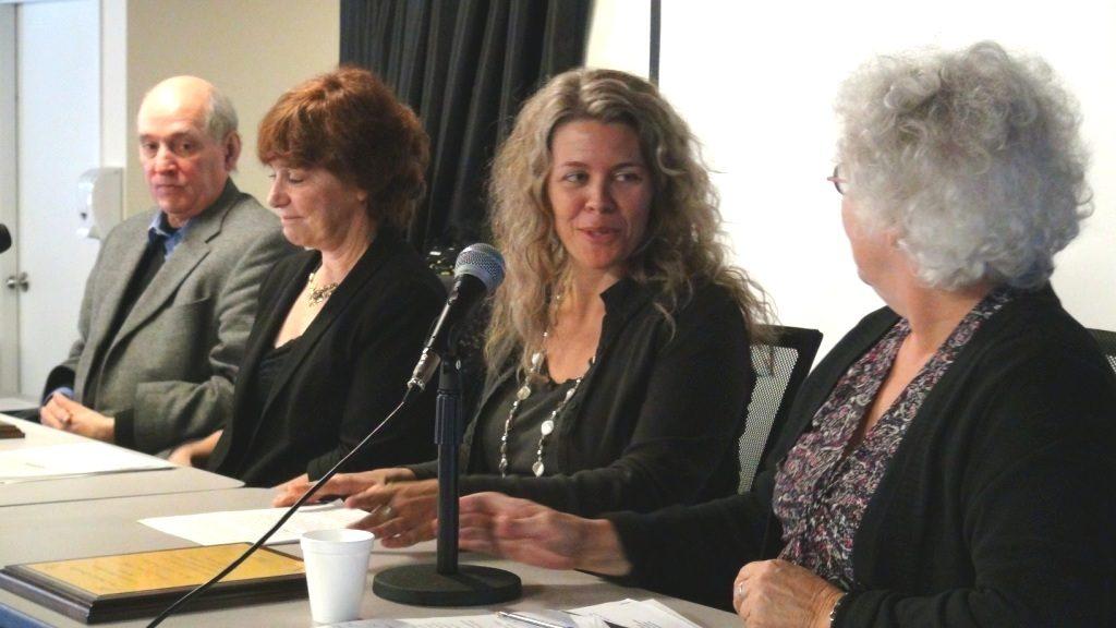 Daniel Drouin du MLQ, Diane Guilbault représentant Christiane Pelchat, Caroline Beauchamp et Lucie Jobin, présidente du MLQ